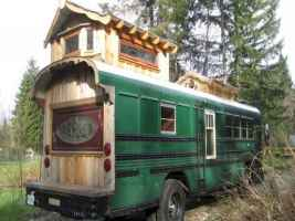 Tiny house bus designs and decorating ideas (103)