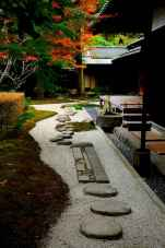 Beautiful front yard rock garden landscaping ideas (88)