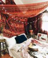 Beautiful and elegance chic bohemian bedroom decor ideas (18)