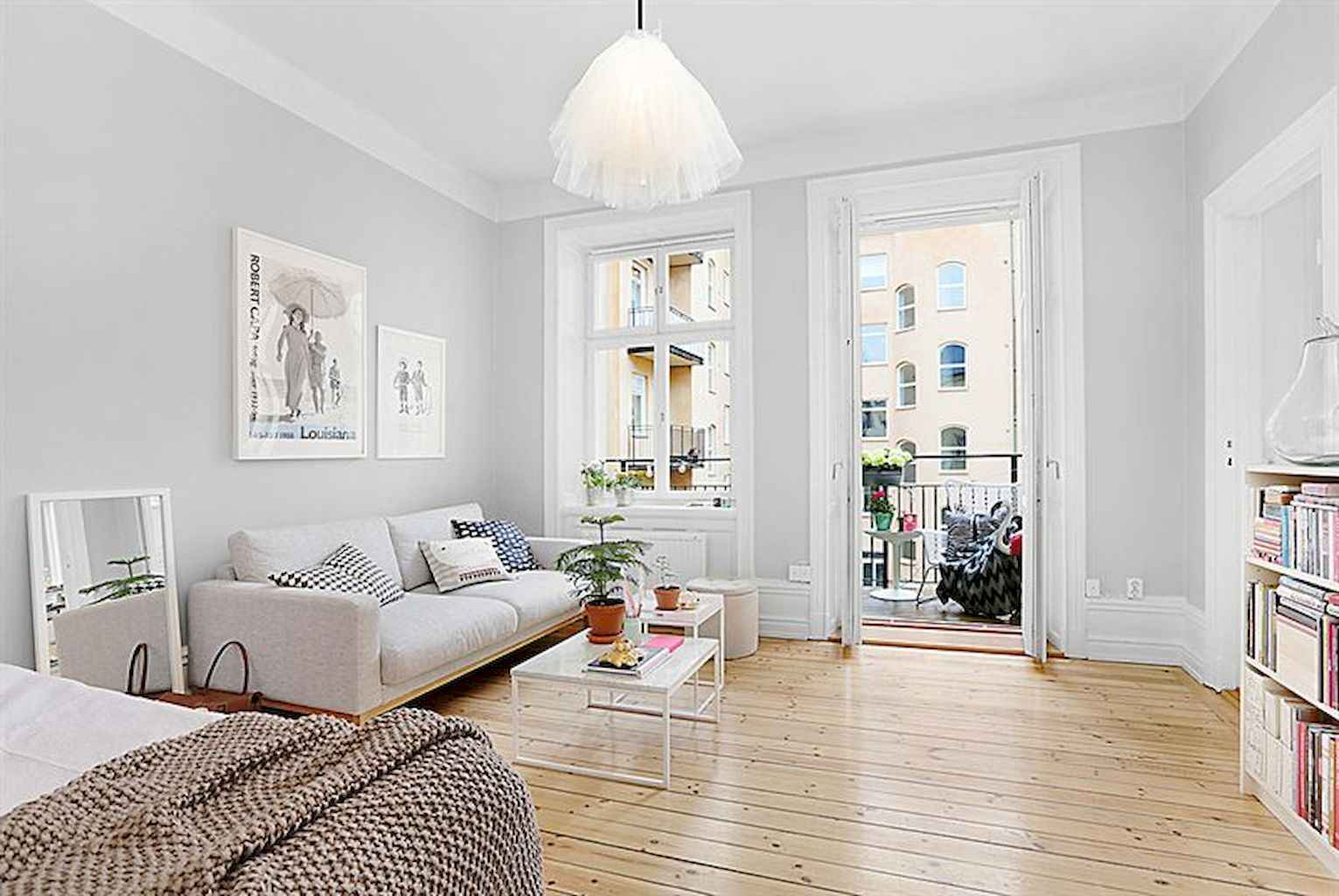 Cool small apartment decorating ideas on a budget (15)