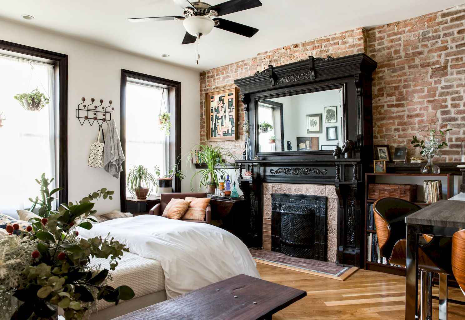 Cool small apartment decorating ideas on a budget (18)