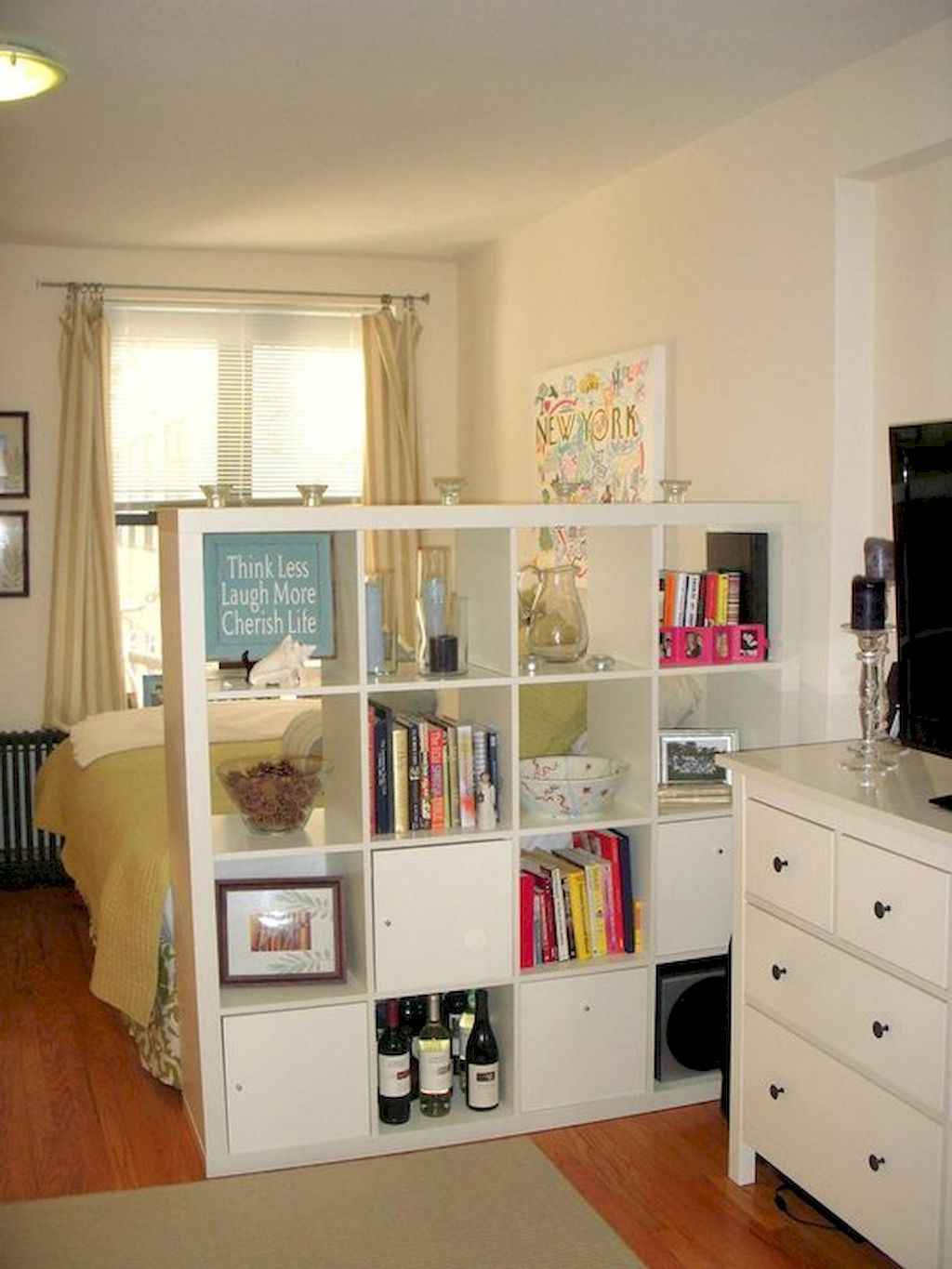 Cool small apartment decorating ideas on a budget (23)