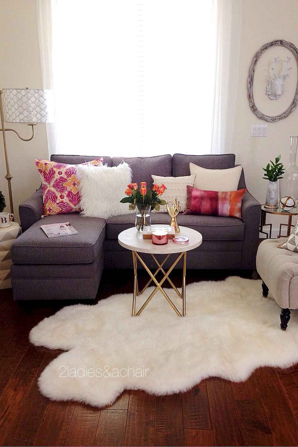 Cool small apartment decorating ideas on a budget (47)