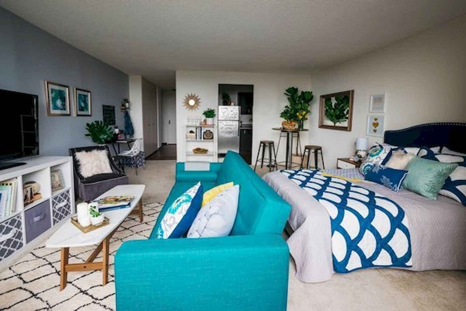 Cool small apartment decorating ideas on a budget (49)