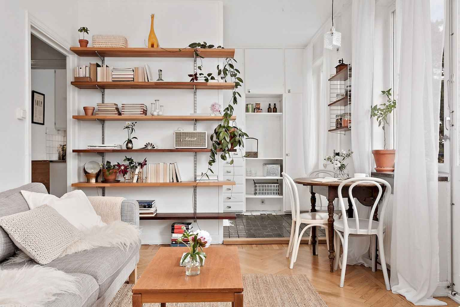 Cool small apartment decorating ideas on a budget (54)