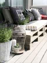 Cozy small apartment balcony decorating ideas (11)
