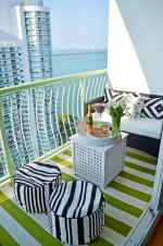 Cozy small apartment balcony decorating ideas (2)