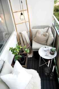 Cozy small apartment balcony decorating ideas (47)