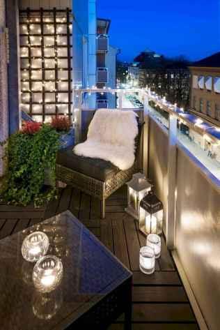 Cozy small apartment balcony decorating ideas (5)
