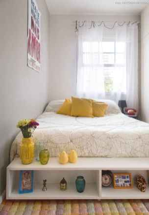 Creative cool small bedroom decorating ideas (29)