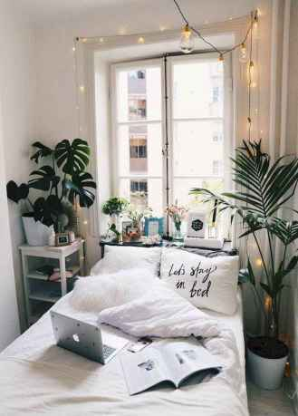 Creative cool small bedroom decorating ideas (43)
