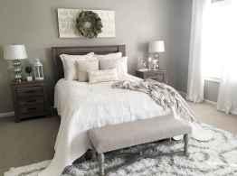 Farmhouse style master bedroom decoration ideas (20)