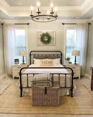 Farmhouse style master bedroom decoration ideas (22)