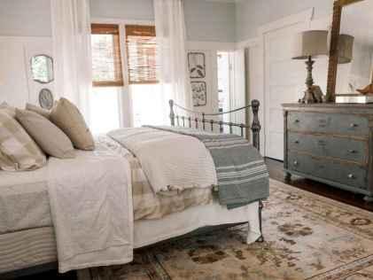 Farmhouse style master bedroom decoration ideas (28)