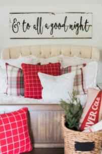 Farmhouse style master bedroom decoration ideas (50)