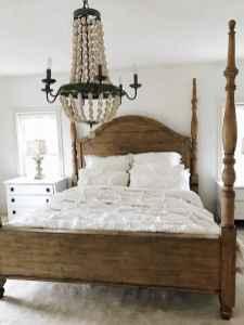 Farmhouse style master bedroom decoration ideas (53)