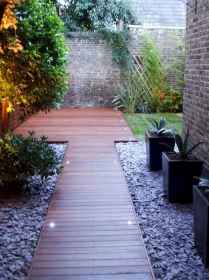 Simple clean modern front yard landscaping ideas (23)