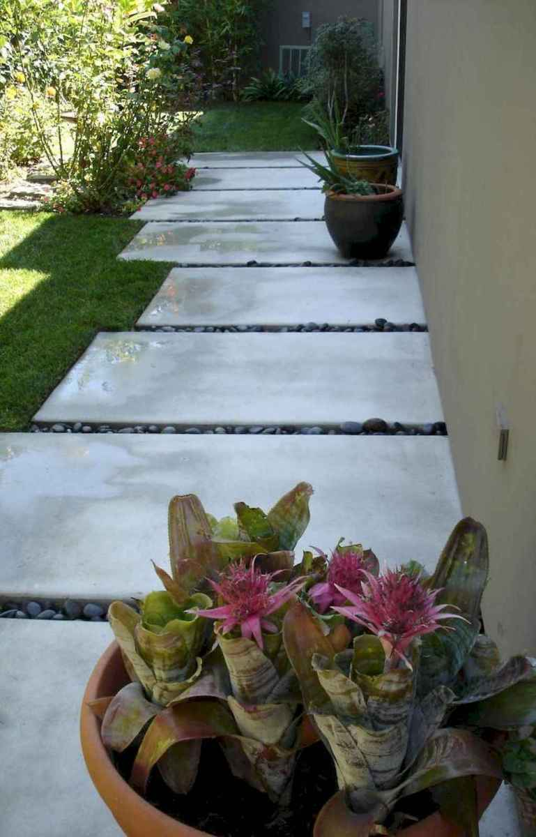 Simple clean modern front yard landscaping ideas (3)