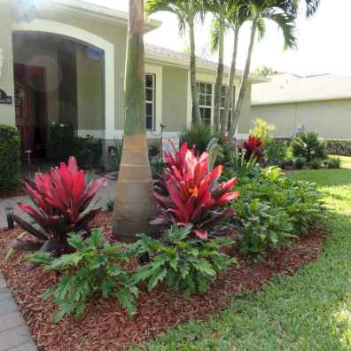 Simple clean modern front yard landscaping ideas (61)