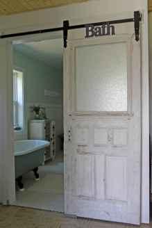 Vintage farmhouse bathroom remodel ideas on a budget (32)