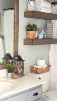 Vintage farmhouse bathroom remodel ideas on a budget (33)