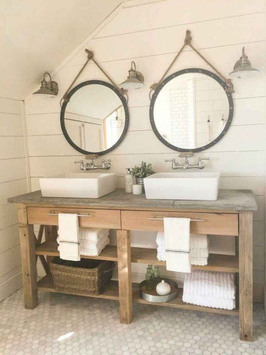 Vintage farmhouse bathroom remodel ideas on a budget (39)