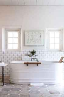 Vintage farmhouse bathroom remodel ideas on a budget (46)