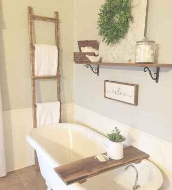 Vintage farmhouse bathroom remodel ideas on a budget (53)