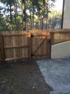 Wooden privacy fence patio & garden ideas (47)
