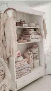 Adorable shabby chic bedroom decor ideas (22)