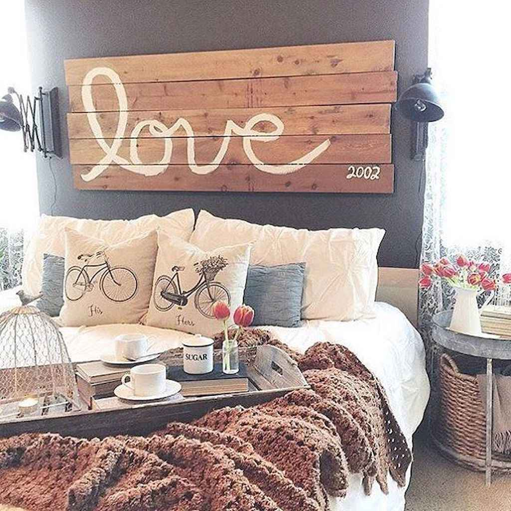 Adorable shabby chic bedroom decor ideas (30)