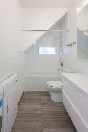 Attic bathroom makeover ideas on a budget (60)