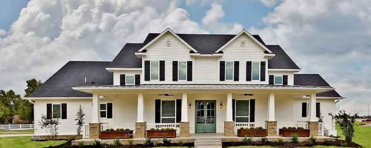 Beautiful farmhouse exterior design ideas (59)