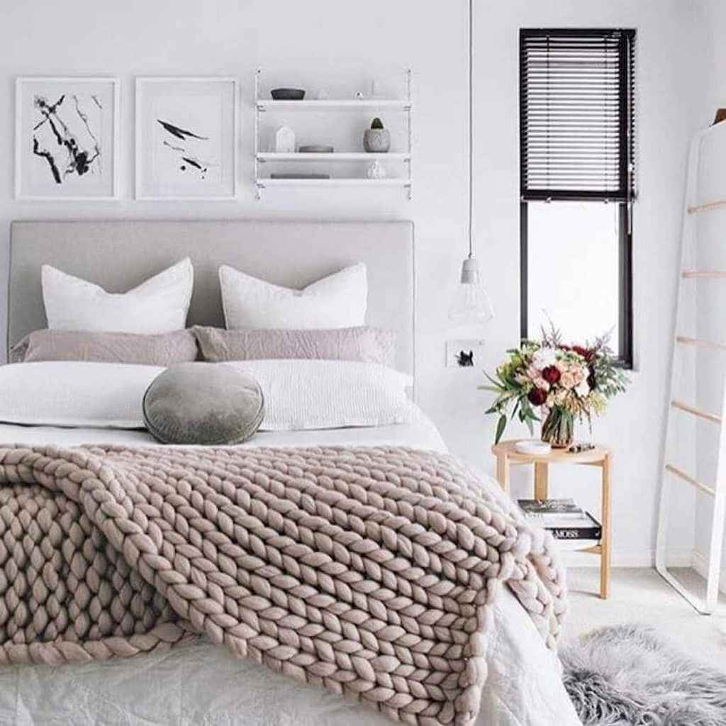 Beautiful minimalist master bedroom decor ideas (23)