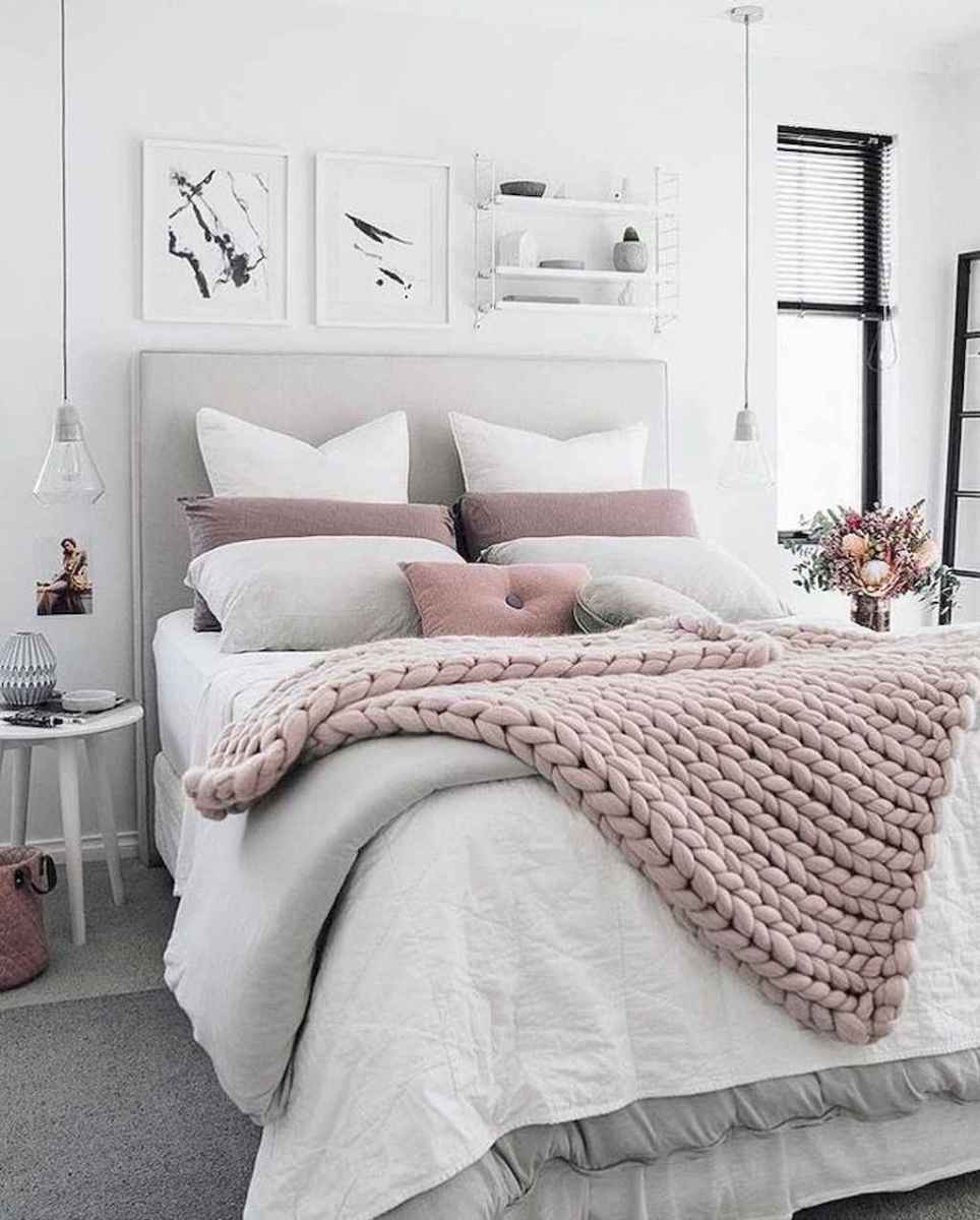 Beautiful minimalist master bedroom decor ideas (42)