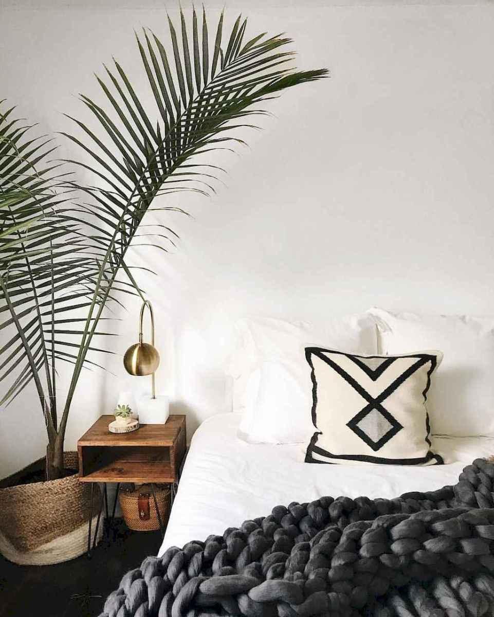 Beautiful minimalist master bedroom decor ideas (51)