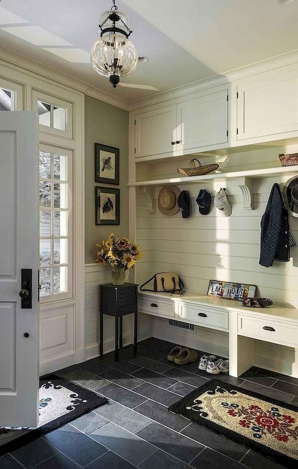Catchy farmhouse rustic entryway decor ideas (30)