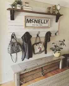 Catchy farmhouse rustic entryway decor ideas (49)
