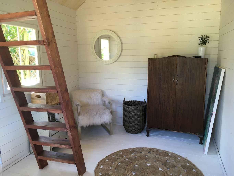 Cool diy backyard studio shed remodel design & decor ideas (23)