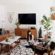 Cool mid century living room decor ideas (10)