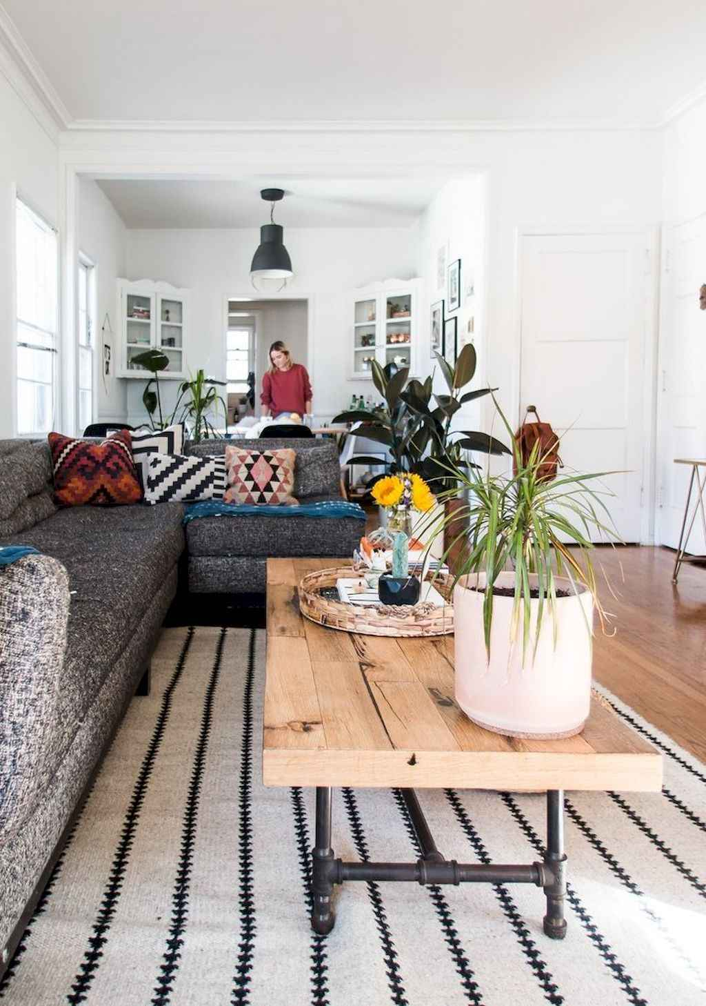 Couples first apartment decorating ideas (120)
