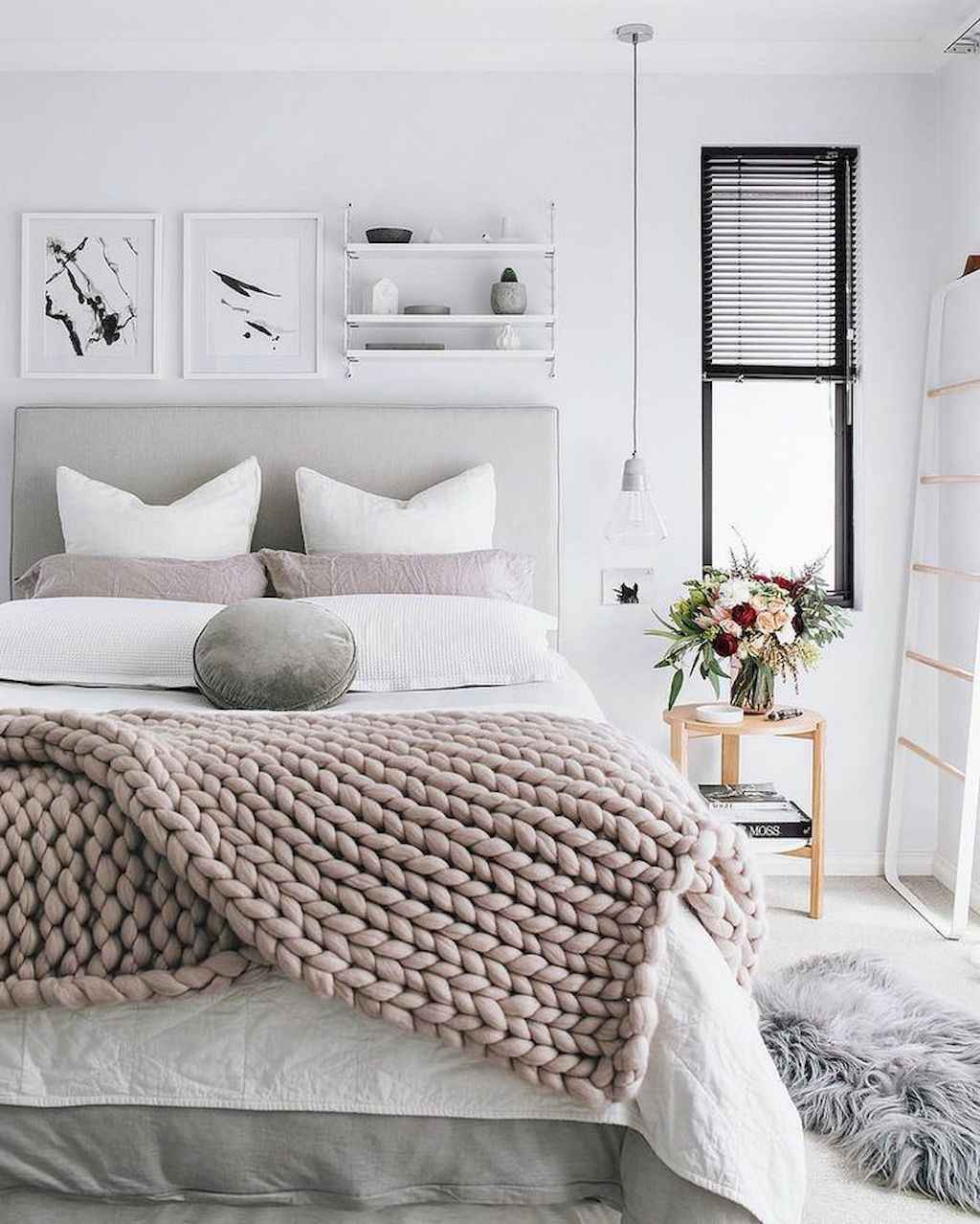 Couples first apartment decorating ideas (59)