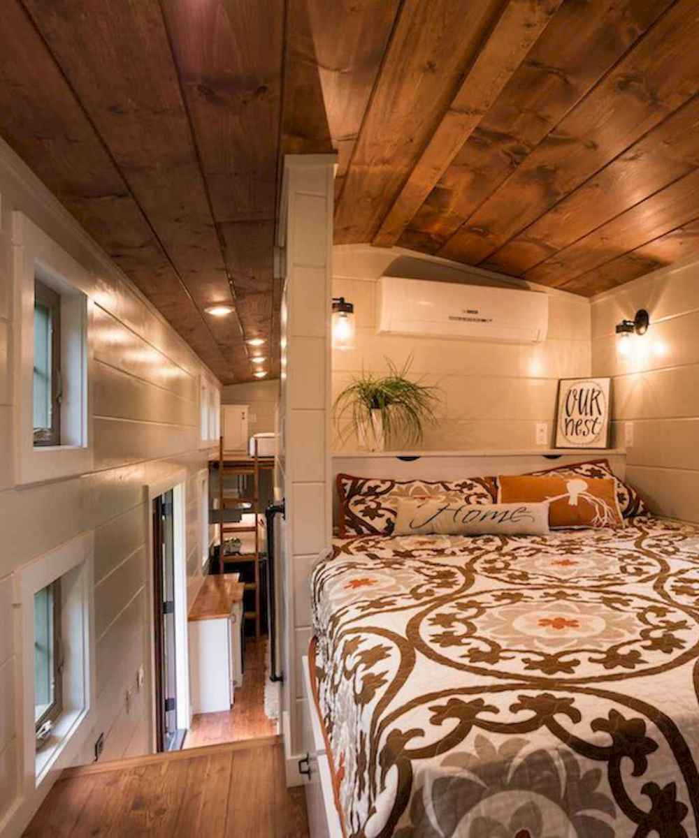 Cozy attic loft bedroom design & decor ideas (20)