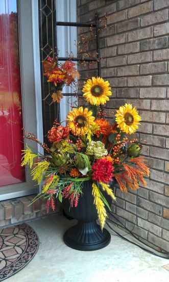 Creative diy fall porch decorating ideas (14)