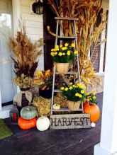 Creative diy fall porch decorating ideas (18)
