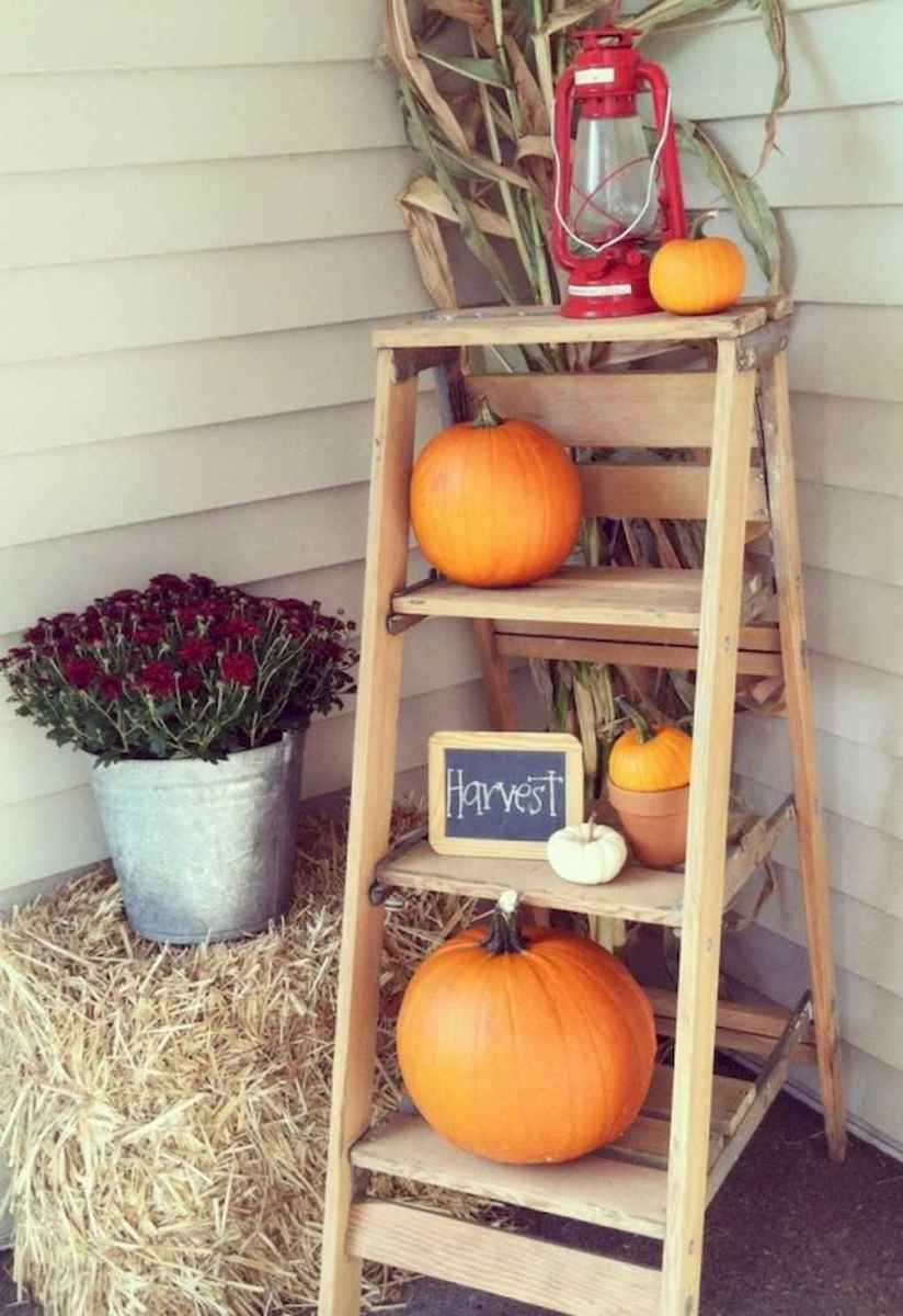 Creative diy fall porch decorating ideas (30)