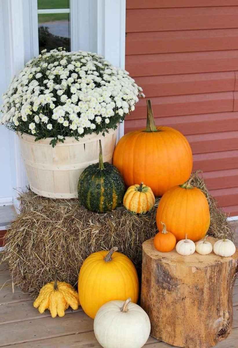 Creative diy fall porch decorating ideas (42)