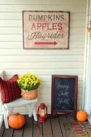 Diy farmhouse fall decorating ideas (28)