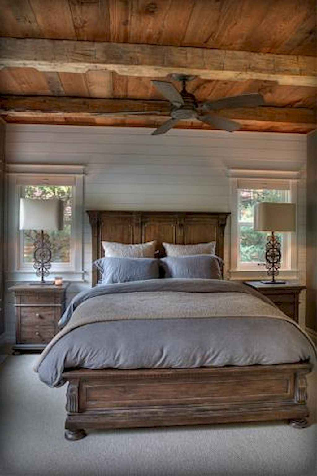 Gorgeous rustic master bedroom design & decor ideas (31)