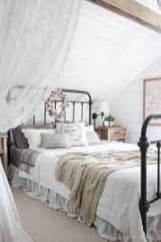 Gorgeous rustic master bedroom design & decor ideas (35)